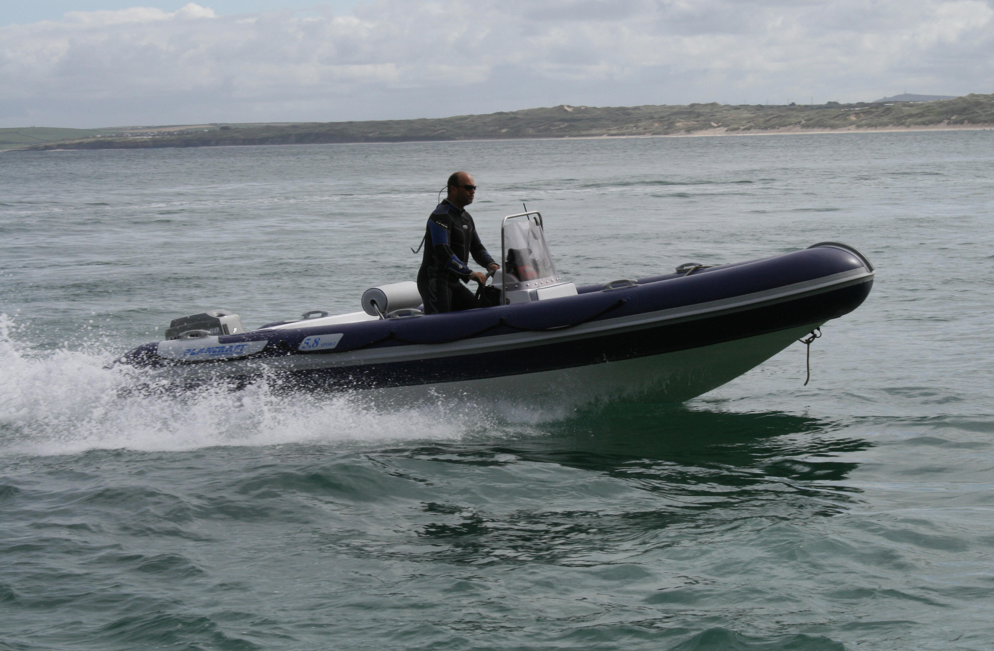 Plancraft luxury rib 5 8 metre luxury sports rib for Plan craft